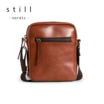 Still Nordic Clean Zip Small Messenger Taske Cognac
